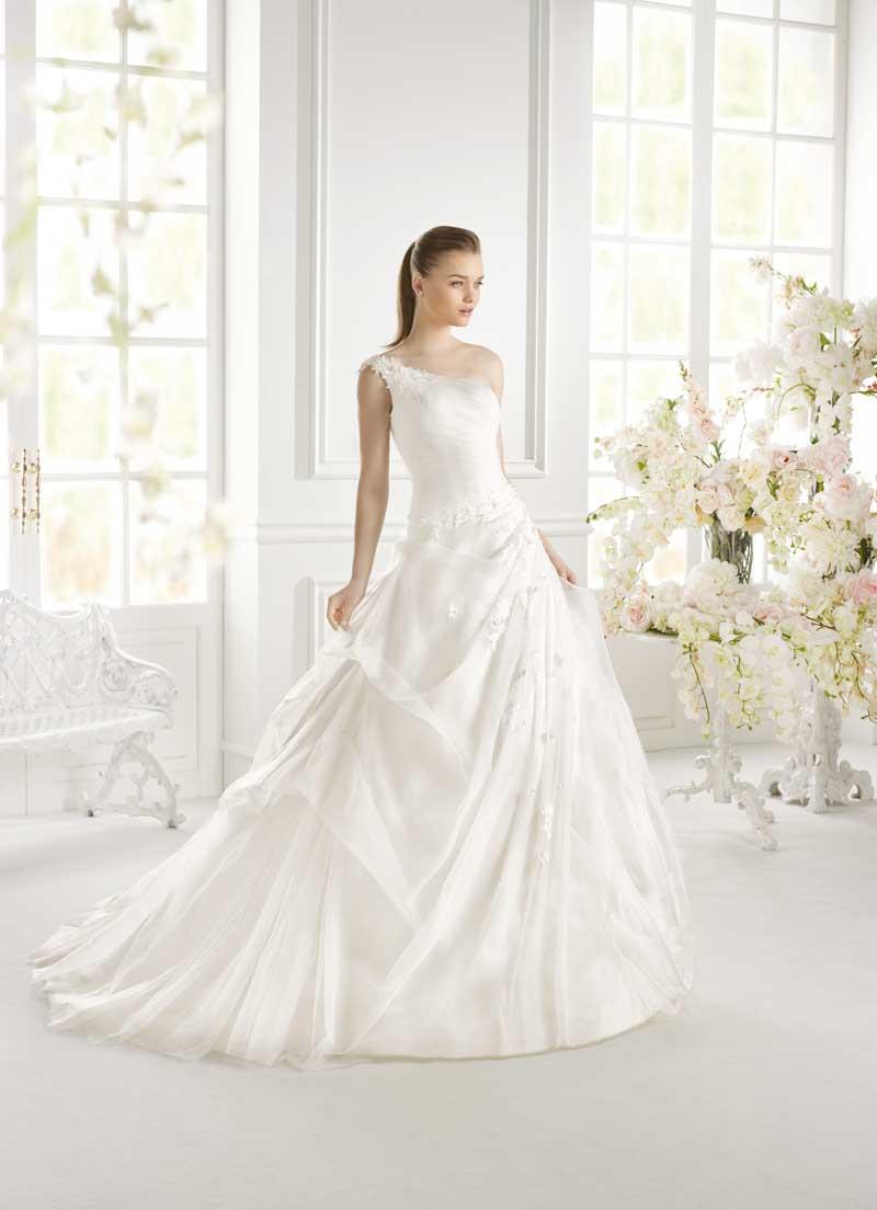 Sartoria abiti sposa su misura